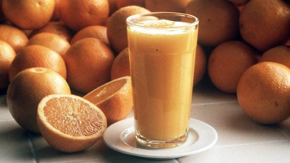 Fruit Lowers Diabetes Risk While Juice Increases the Risk